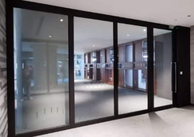 fixed glass partition type